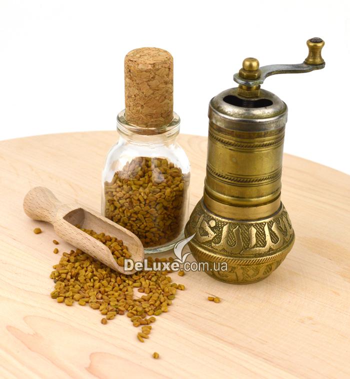 Пажитник семена и мельница