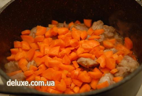 Плов - закладываем морковь